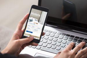 Systemy rezerwacyjne hoteli, dowiedz się jak z nich korzystać.